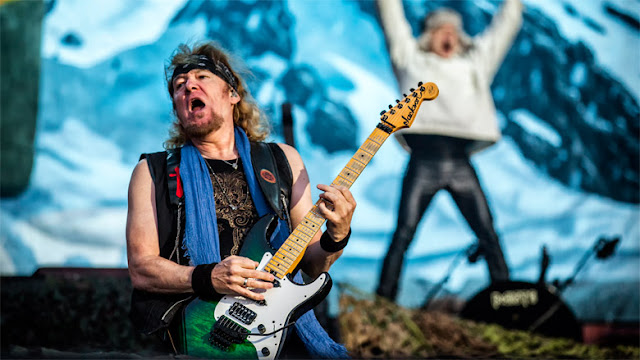 "Adrian Smith: ""Não concordo com o uso de backing tracks"""