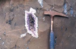 geodo de ametista em basalto vesicular, SC