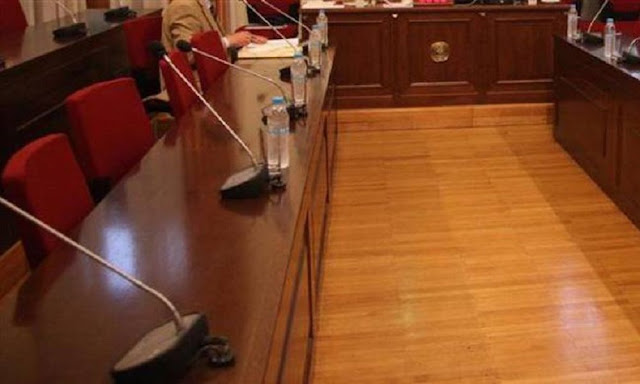 ΕΚΤΑΚΤΗ σύγκλιση της Επιτροπής Θεσμών και Διαφάνειας την Παρασκευή, ύστερα από αίτημα του ΣΥΡΙΖΑ