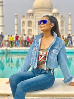 Actress Lopamudra gets mobbed by fans at the Taj Mahal. Raises environmental concerns on her visit