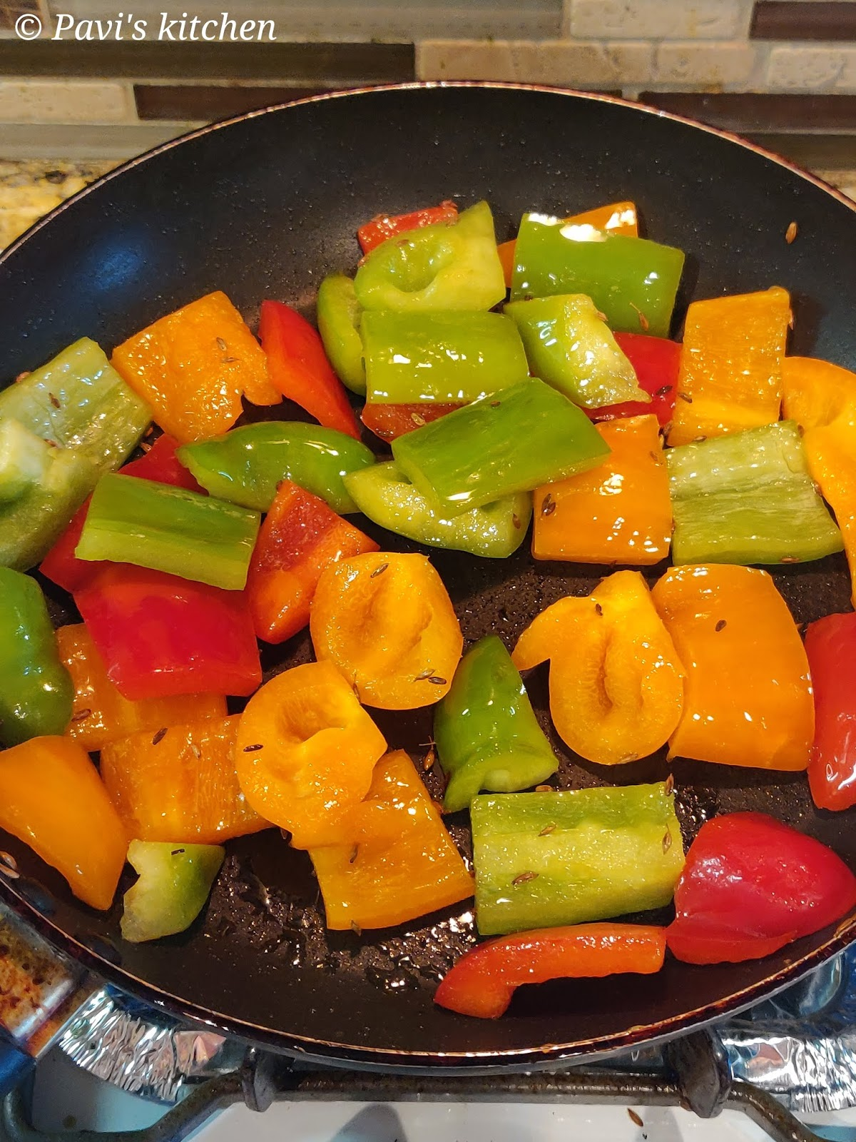 Grilled Bell Pepper Salad Recipe / Grilled Capsicum Salad Recipe