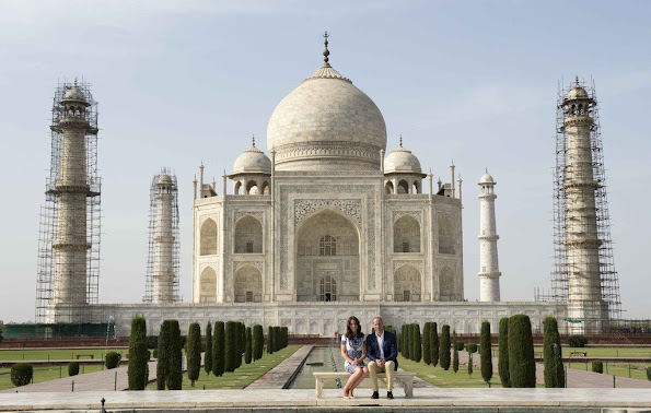And the most expected moment happened, Prince William and his wife Duchess Catherine visited the Taj Mahal