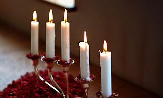 pixabay.com/en/candles-candlestick-flame-white-1516274/