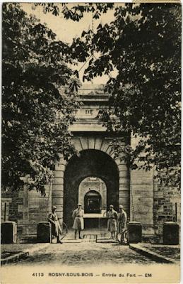 CPA entrée du Fort de Rosny