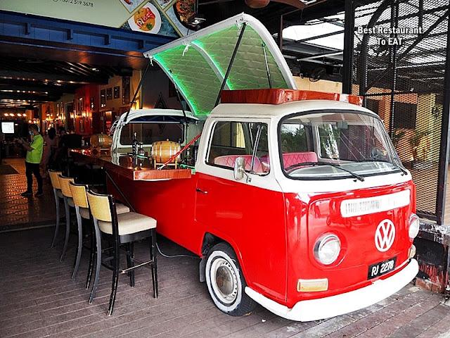 Werners Deli Cangkat Bukit Bintang Kuala Lumpur VW Bar