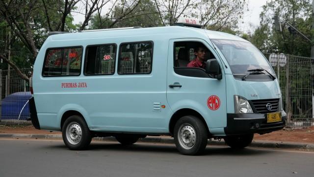 Foto Mobil Angkot Keadaan Standar