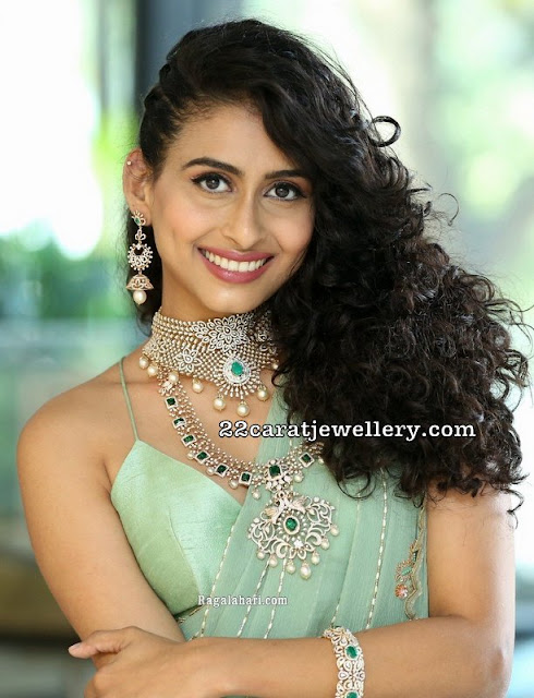 Nitya Natesh Diamond Emerald Jewellery