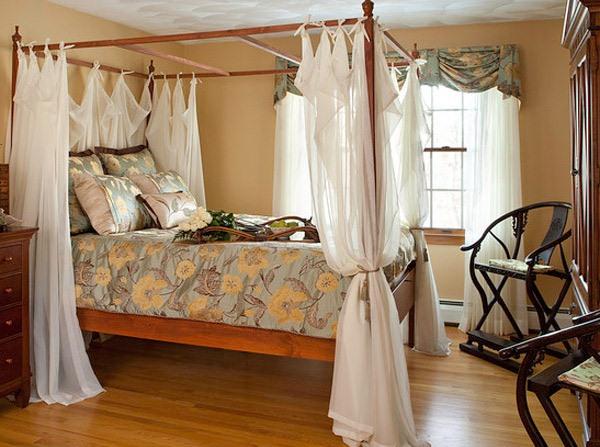 Tempat Tidur dengan Kanopi yang Manis dan Romantis