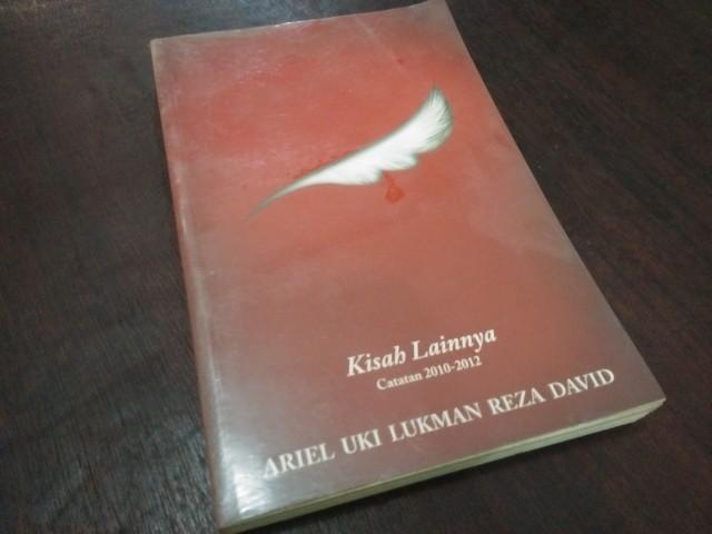 """Resensi Buku """"Kisah Lainnya: Catatan 2010-2012"""""""