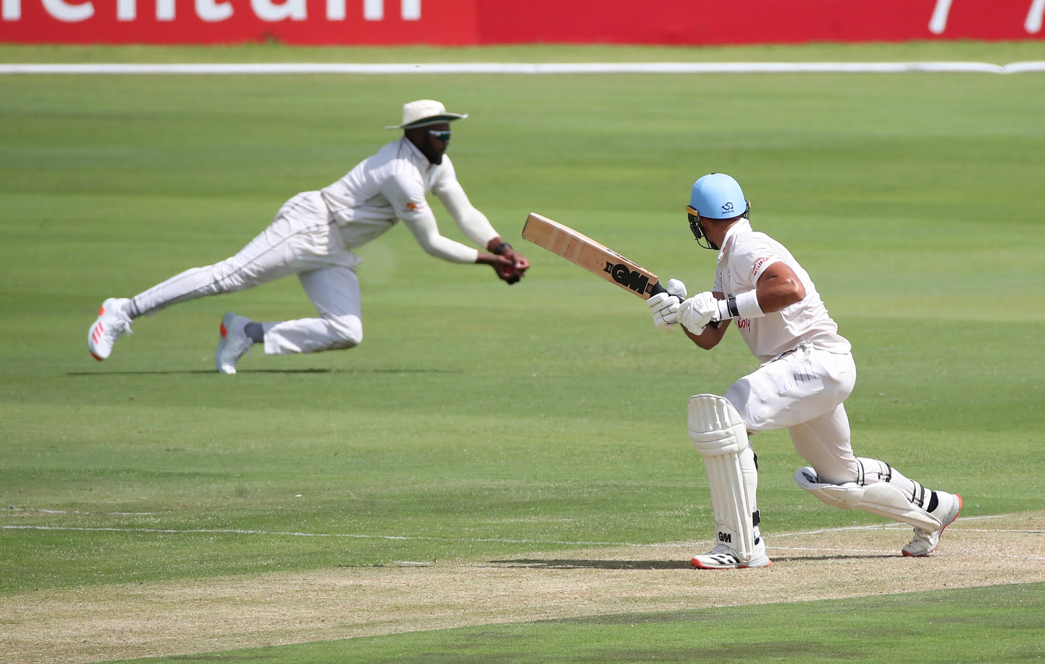 Andile Phelukwayo takes a catch