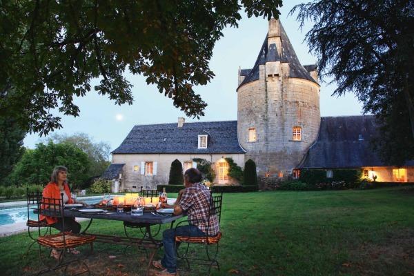 Casais que Moram em Castelos