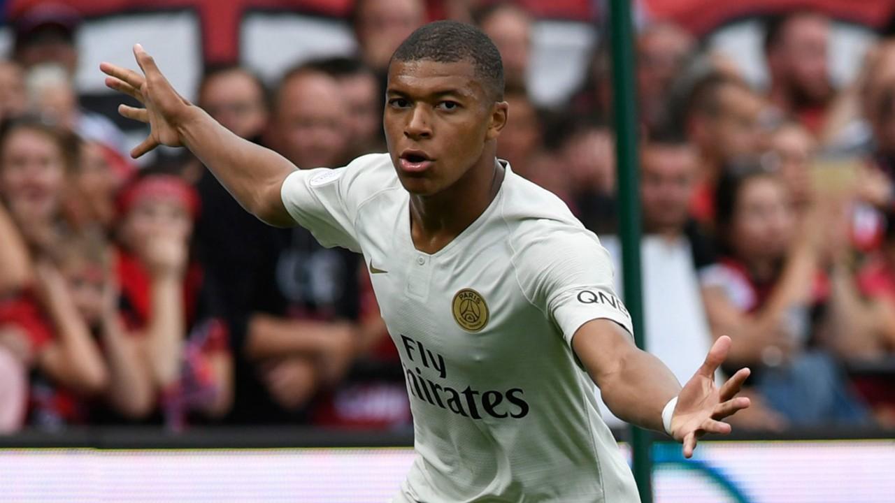 Mbappe Ganggu Sesi Perkenalan Hazard di Real Madrid