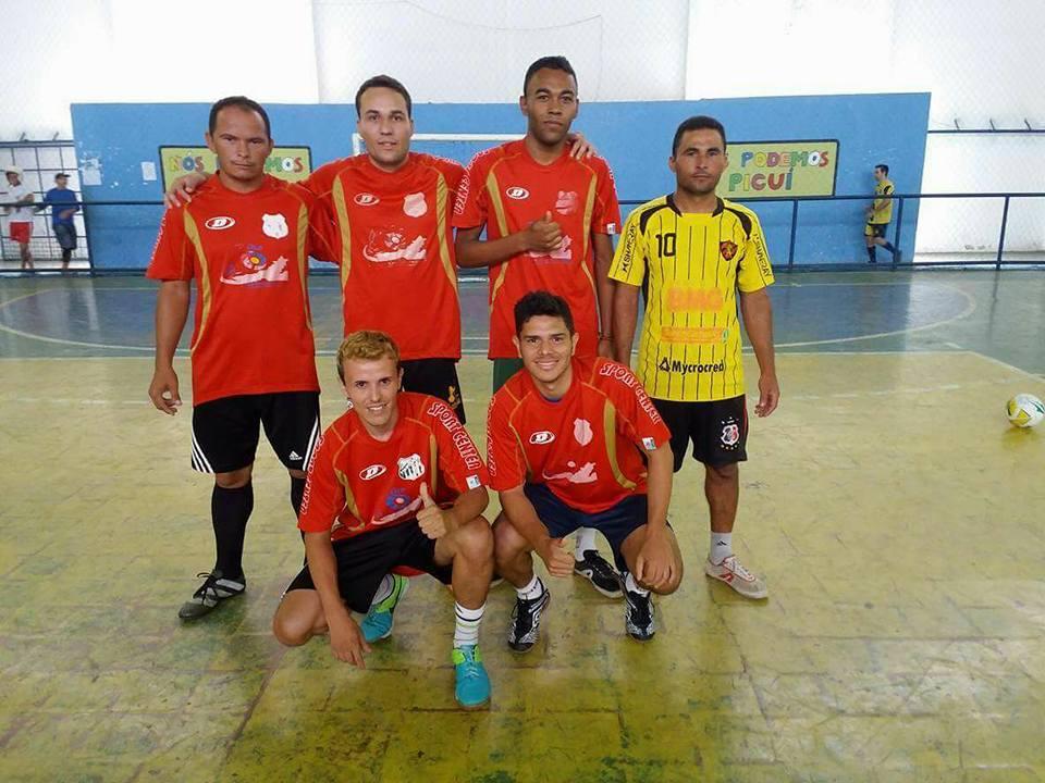 47838080c A realização é do desportista DiegoJohnats e amigos. com apoio do  departamento municipal de esportes.