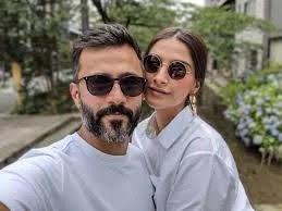 Anand Ahuja Affair/Girlfriend Sonam Kapoor
