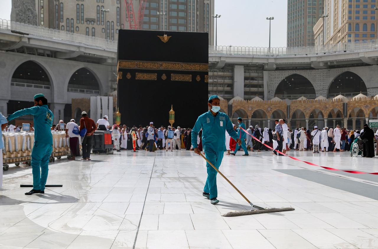Corona Mewabah, Ini Fatwa Dewan Ulama Senior Saudi Tentang Shalat Jum'at