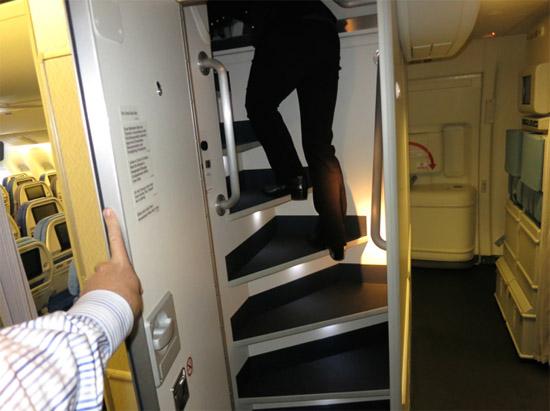 Compartimento secreto exclusivo tripulação aviões 6