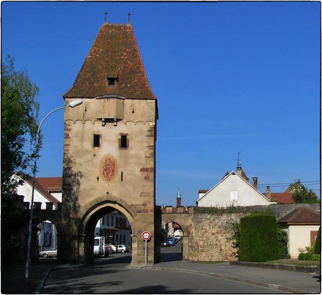 ROSHEIM (67) - Portes et remparts médiévaux