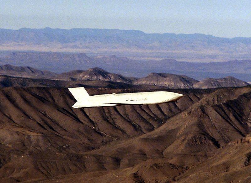 """صاروخ جو أرض مشترك """"Joint Air-to-Surface Standoff Missile"""" """"JASSM - أسلحة الجيش الأمريكي - ميزانية الجيش الأمريكي 2021"""