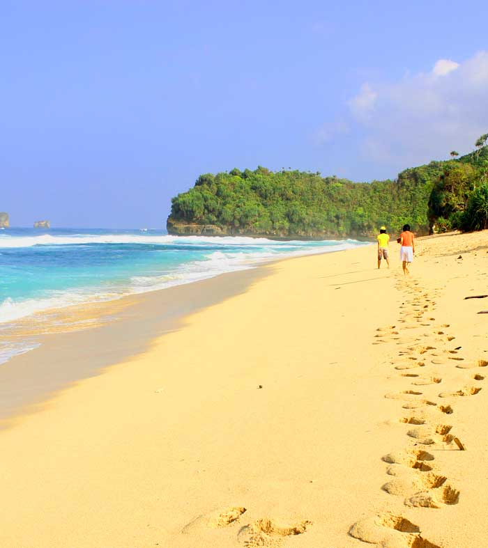 Fasilitas Wisata di Goa Cina Malang