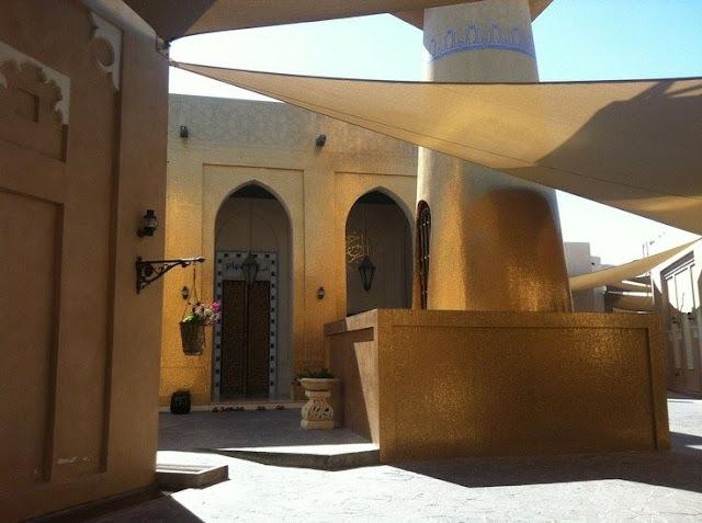 Seluruh Bagian Bersepuh Emas, Masjid Ini Banyak Didatangi Masyarakat Muslim