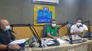 Prefeito Marcus Diogo participa de entrevista e destaca desempenho de Alcides Camilo como positivo