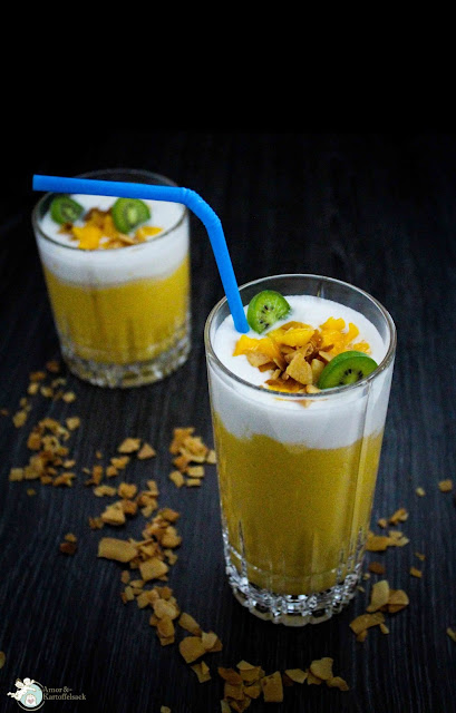 Mangosmoothie mit Kokos