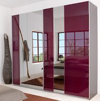 Colored Mirrors as the Part of Your Style