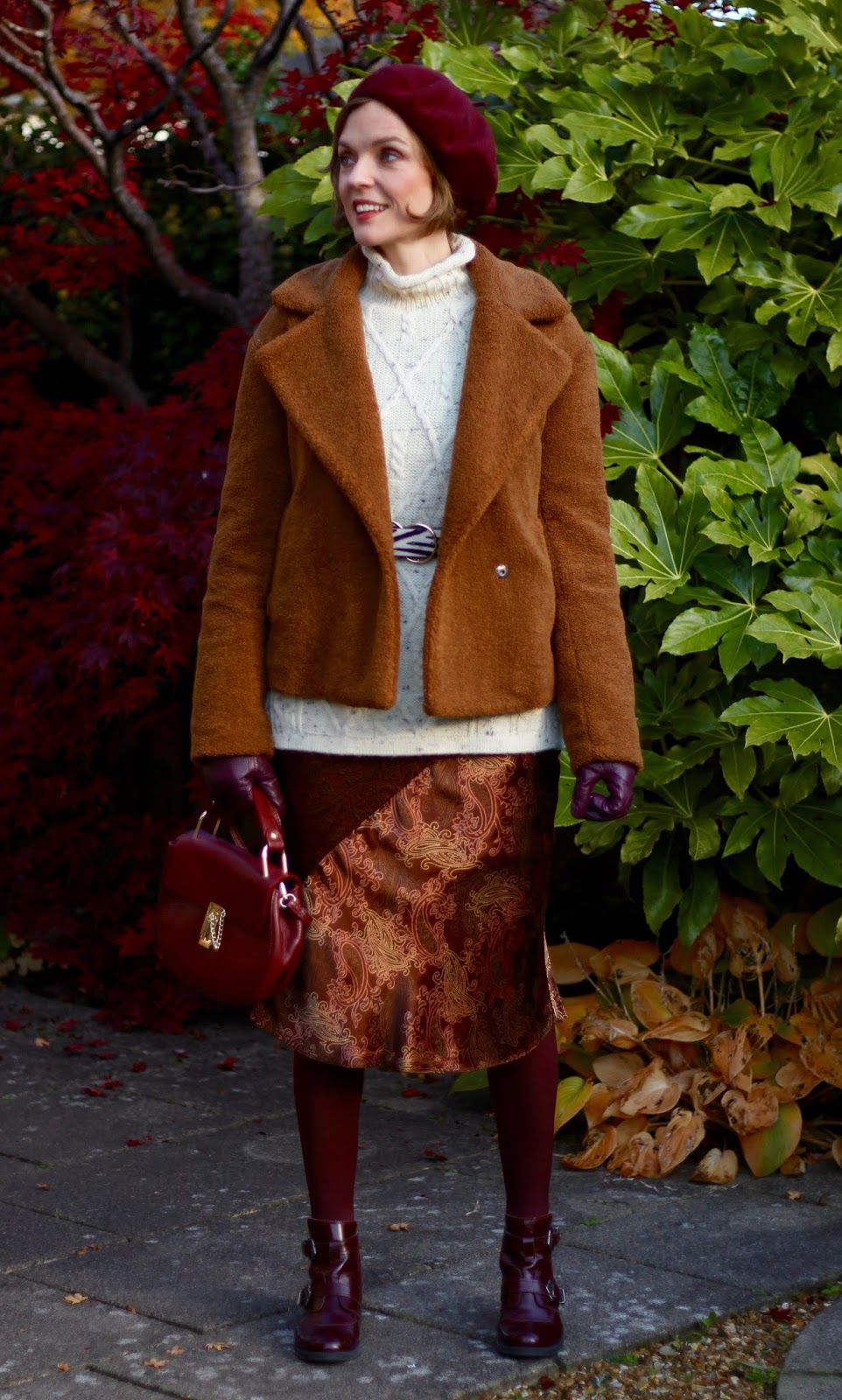 Vintage 90s skirt, Teddy Coat and Cosy Layers | Autumn Outfit Inspiration