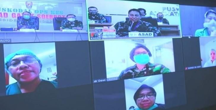 KSAD Jenderal TNI Andika Perkasa Berlinang Air Mata Melihat Perawat di RSPAD