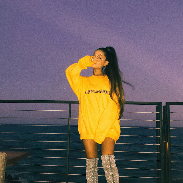 Ariana-Grande-in-yellow