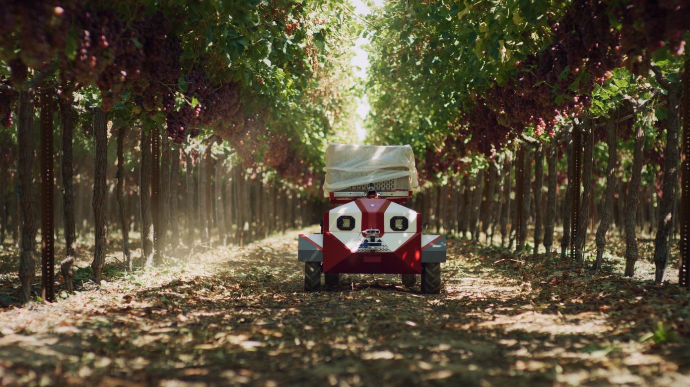Future Acres diluncurkan dengan kedatangan robot pengangkut tanaman, Carry