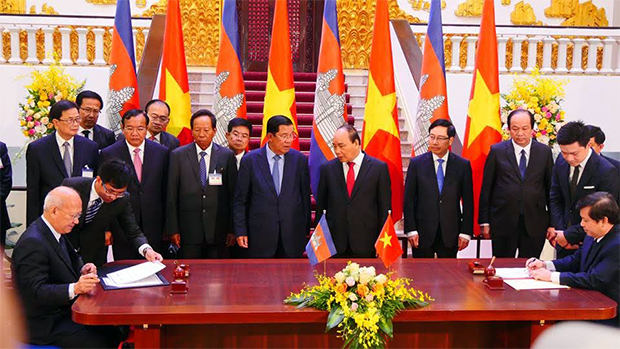 Trois nouveaux accords de coopération entre le Cambodge et le Vietnam