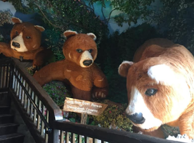 Bears from the Rose Bowl Parade Float