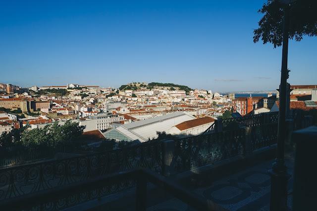 サン・ペドロ・デ・アルカンタラ展望台(Miradouro de Sao Pedro de Alcantara)