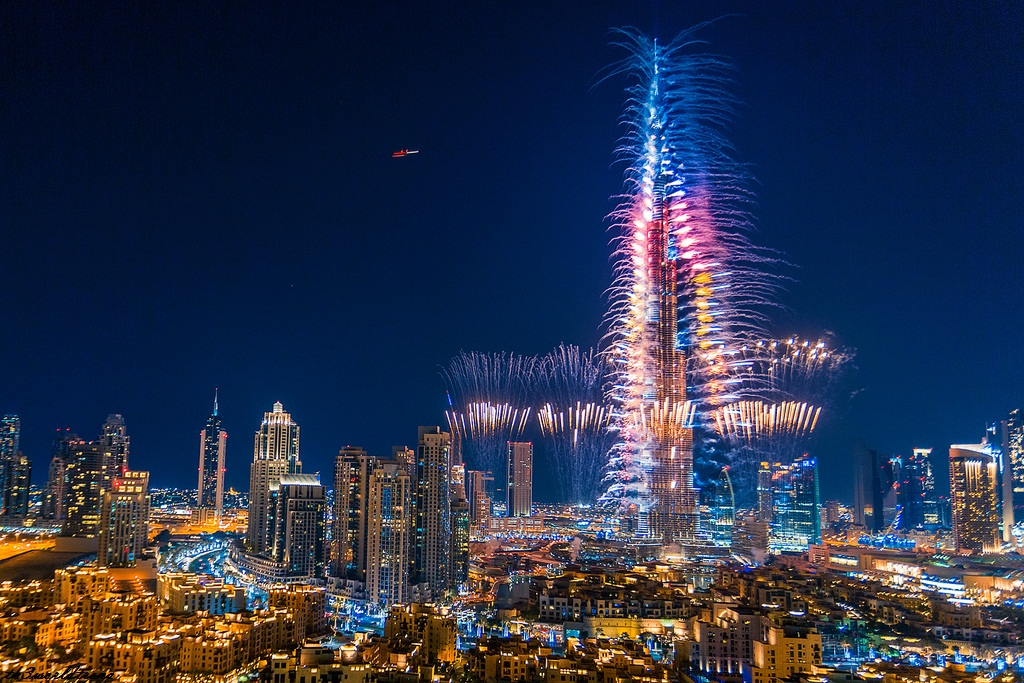 New Year Fireworks in DUBAI 2020 LIVE| Dubai TV | احتفالات دبي بالعام الجديد 2020 مباشر
