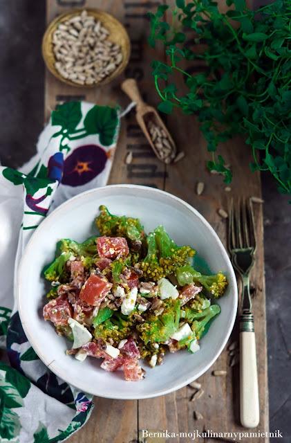 salatka, feta, brokul, slonecznik, wielkanoc, impreza, przyjecie, przekaska, bernika, kulinarny pamietnik
