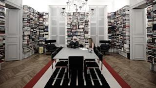 Μέσα στο σπίτι του Καρλ Λάγκερφελντ: Η εμπνευσμένη βιβλιοθήκη που όμοιά της δεν υπάρχει στον κόσμο