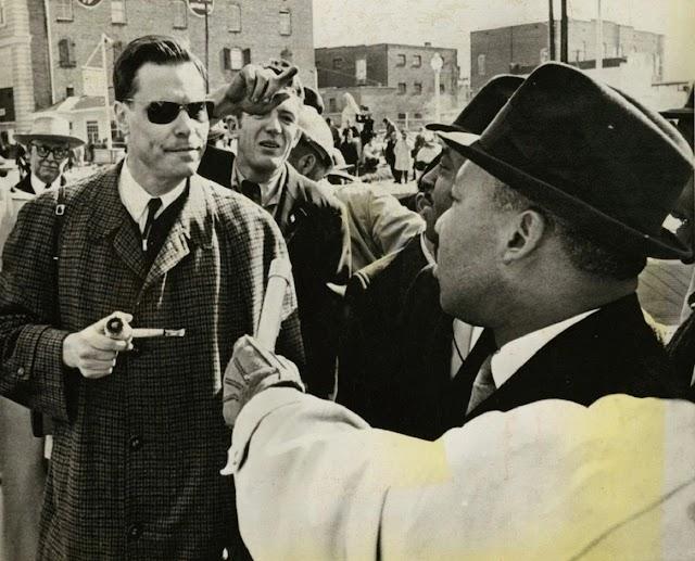 Cuando George L. Rockwell, líder del partido nazi de EEUU, se encaró a Martin Luther King