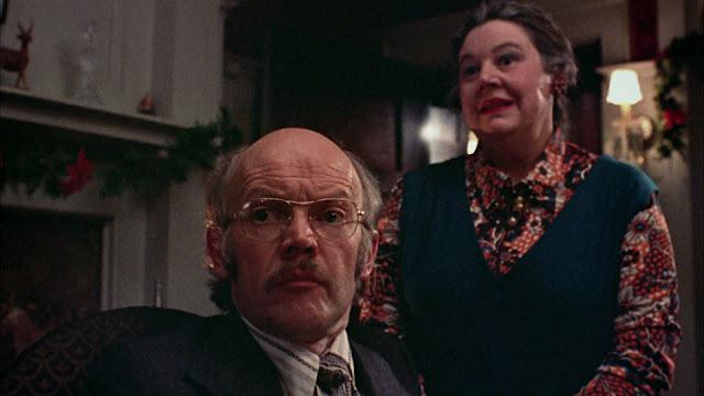 Ayah Clare dan ibu asrama Pi Kappa Sigma