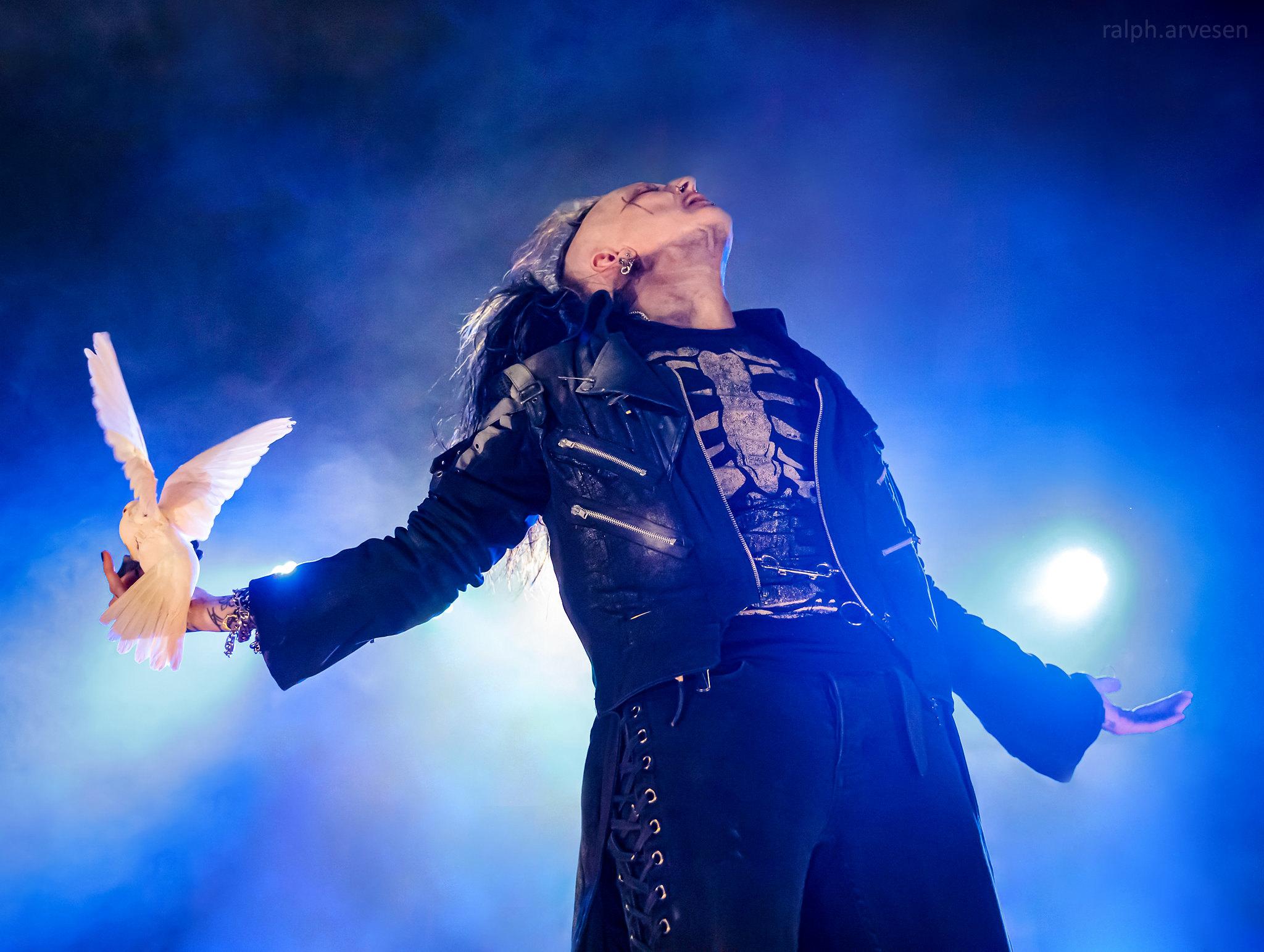 Hellzapoppin Circus Sideshow Review | Texas Review | Ralph Arvesen