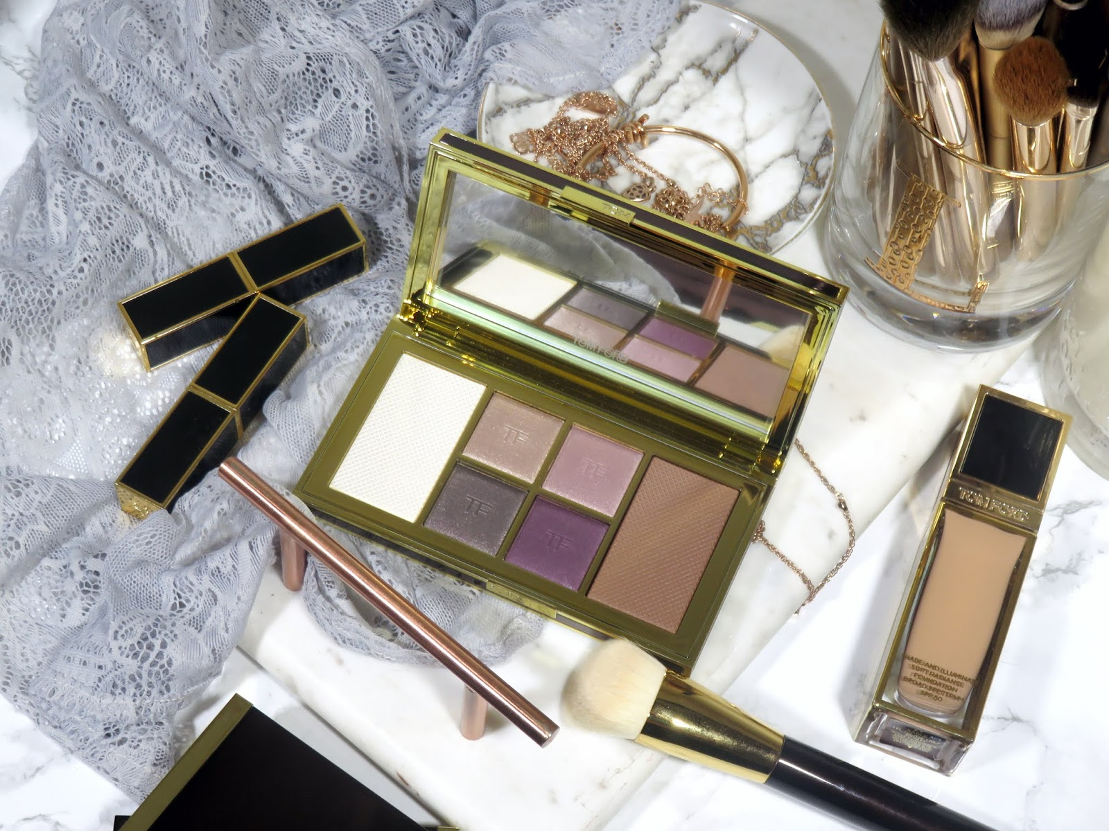 Tom Ford Shade and Illuminate Face & Eye Palette in Moonlit Violet Review and Swatches