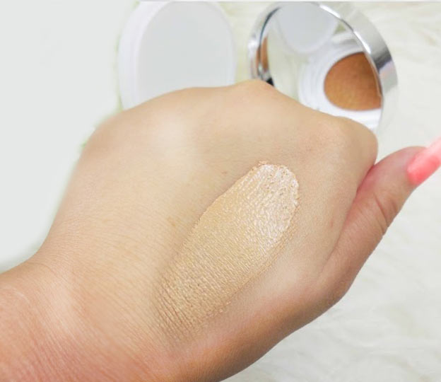 Laneige BB Cushion swatches test
