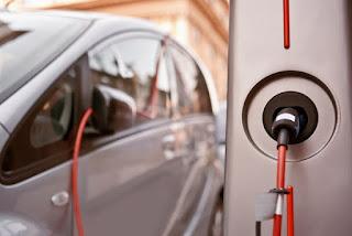 Más de la mitad de los coches que se vendan en cinco años serán híbridos y eléctricos