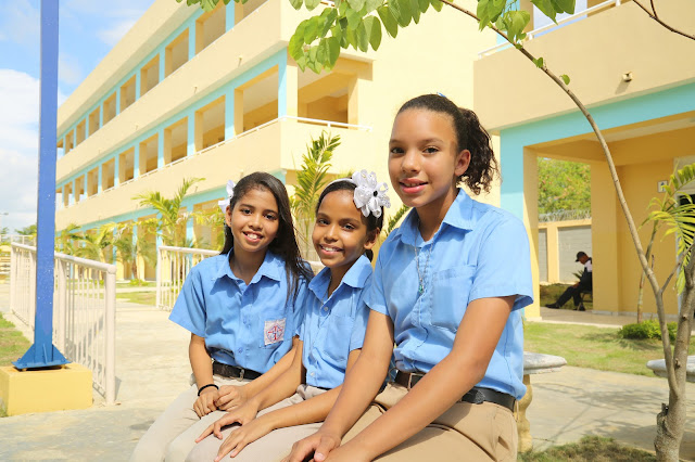 Danilo Medina entrega Escuela Oscar Sánchez Baret para beneficio 945 estudiantes Santo Domingo Norte