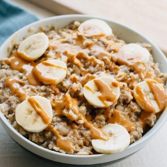 PEANUT BUTTER BANANA CHIA OATMEAL #healthy #breakfast