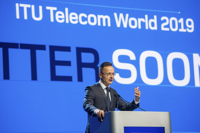 Szijjártó: sikeres volt a nemzetközi távközlési konferencia