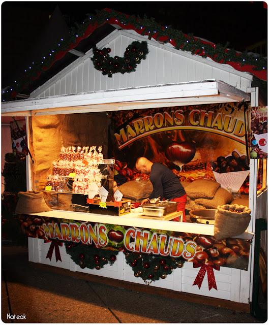 Des marrons chauds du marché de Noël de la Défense