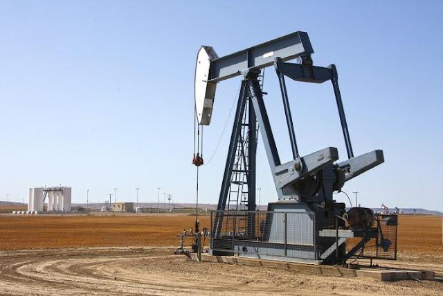 Bloomberg: producción petrolera cayó a 680.000 barriles diarios en septiembre