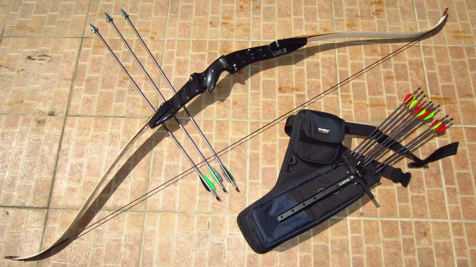 THE ZOMBIE HUNTER: A Survivalist's Journal: The Recurve Bow