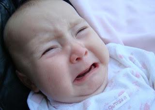 Bayi Anda Menangis? Mungkin Ini 7 Penyebabnya yang Tidak Anda Sadari